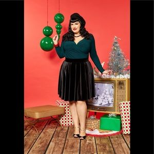 Pinup girl clothing bnwt black velvet skirt